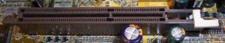 Внешний вид разъема AGP.